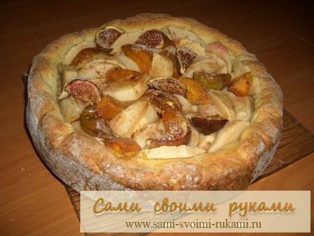 Творожный пирог  - рецепт с персиками и яблоками