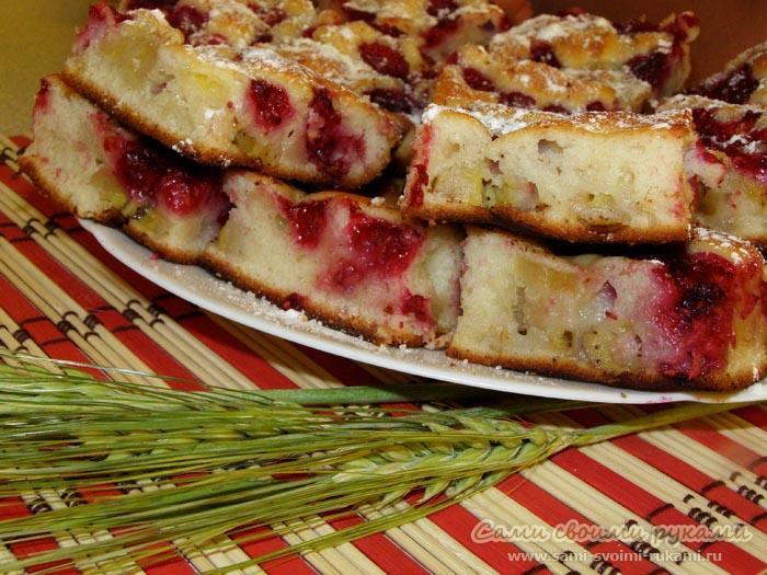 Пирог с малиной и бананами - рецепт с фото (мастер класс)