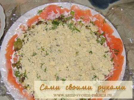 Салат с оливками и крабовыми палочками добавим роскоши