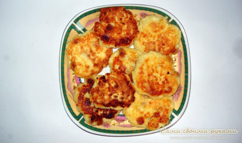 Творожные сырники с изюмом, как приготовить - рецепт с фото