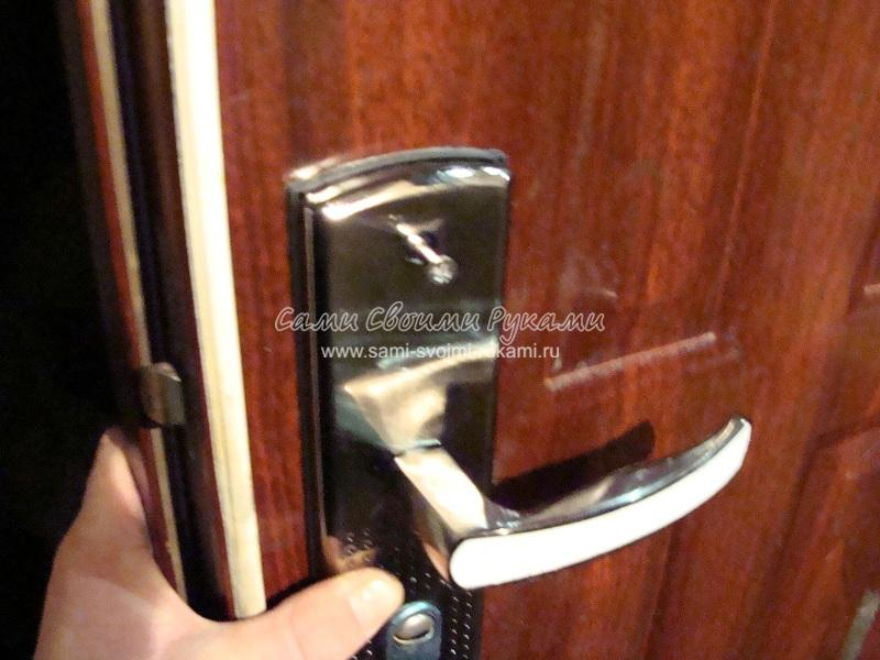 Замена ручки на металлической двери своими руками 80