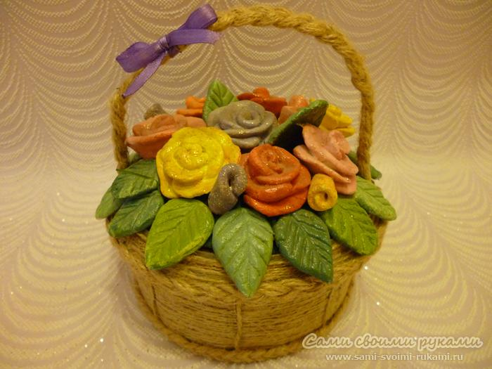 Корзинка с розами из соленого теста