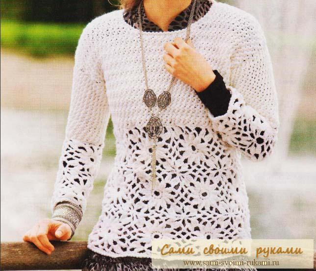 Пуловер с кокеткой и кружевными квадратами крючком