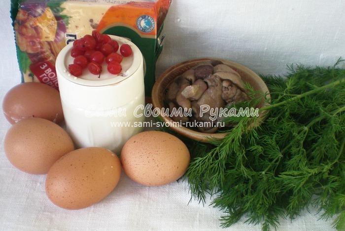Фаршированные яйца в виде елочек с грибами и сыром