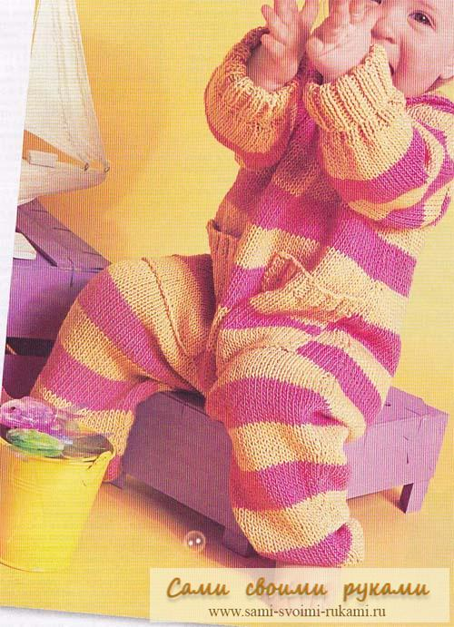 Вяжем комбинезон в полоску спицами для малыша