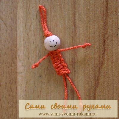 Куколка из макраме