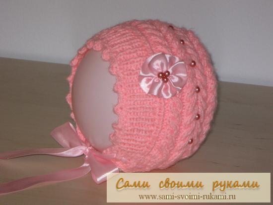 Розовая шапочка с косами для девочки