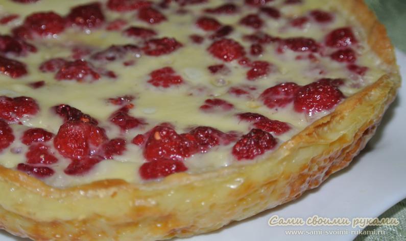 Малиновый пирог в заливке из сливок и белого шоколада - рецепт с фото