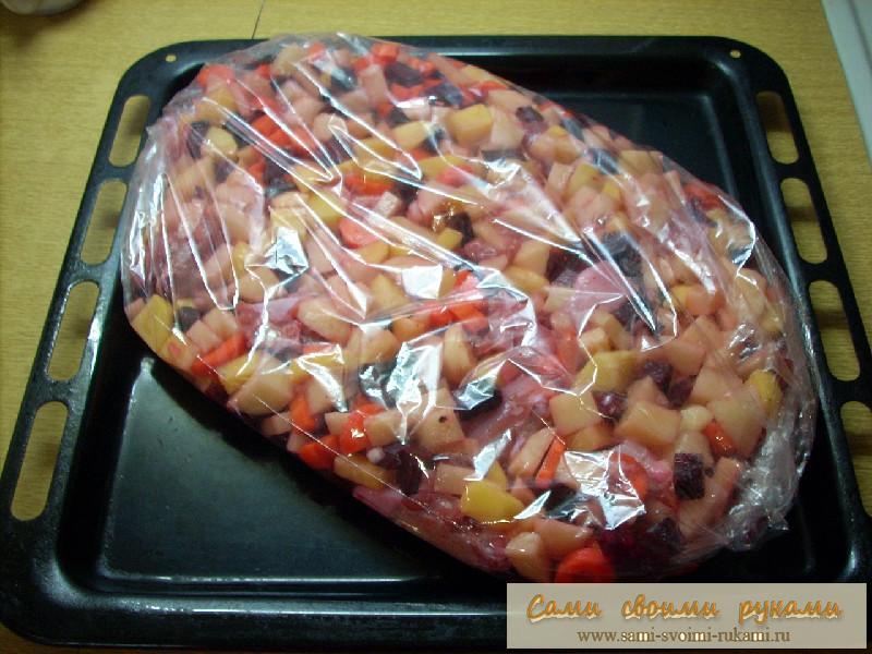 курица в духовке в пакете с овощами рецепт делать, если горит