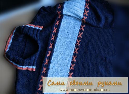 Мужской пуловер с жаккардовыми полосами