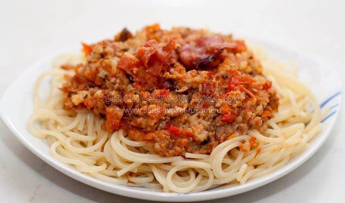 Спагетти с беконом (панчеттой)