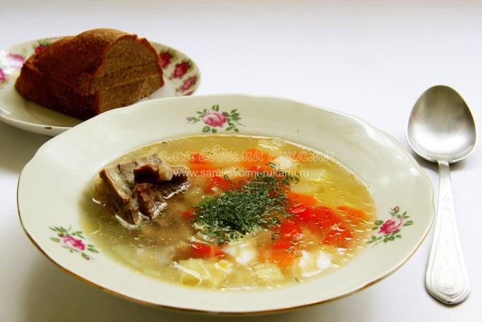 Овощной суп на бульоне из свиных ребрышек