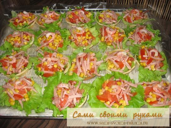 Весенний салат в тарталетках