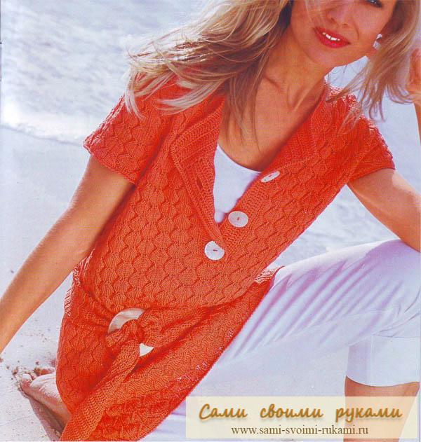 Оранжевый летний пуловер с поясом