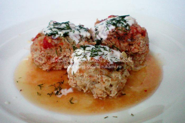 Мясные тефтели с рисом под томатным соусом