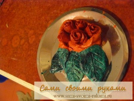 Розы из соленого теста