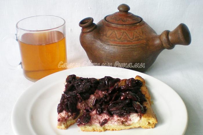 Рецепт пирога с вишней и творогом