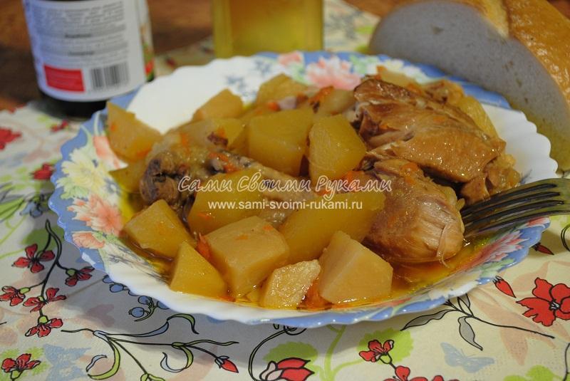 Курица по-армянски с яблоками в мультиварке