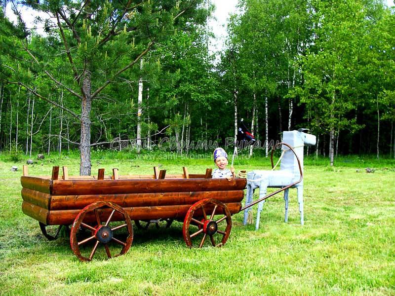 Декоративная телега для сада