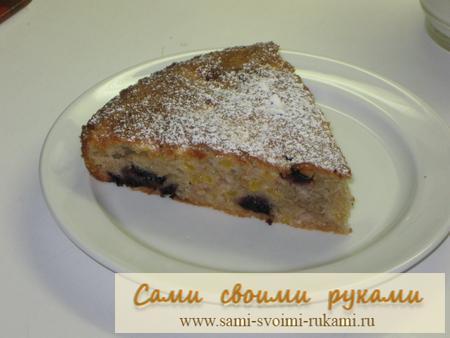 Вкусный пирог с персиками и вишней