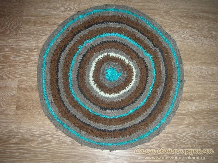 Будем вязать коврики. вязание крючком, коврик крючком, коврик, остатки ткани.  Вышиваем .