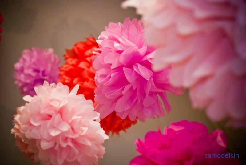 Цветы из папиросной бумаги и гирлянды