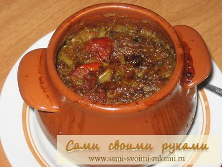 Солянка капустная с грибами и помидорами