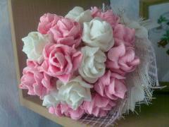 Розы и букеты из креповой бумаги