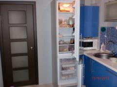 Встраиваемый холодильник Hotpoint-Ariston BCB 182137