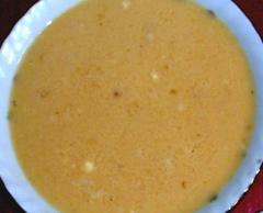 Яичный рулет с начинкой из куриного фарша и оливок - рецепт с фото
