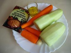 Салат из свежих кабачков и моркови по-корейски