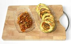 Кабачковые колечки с овощной начинкой