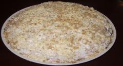 Салат с копченой курицей с орехами
