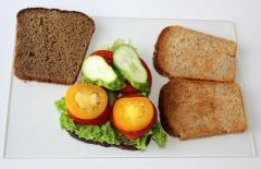 Диетический сэндвич (бутерброд с овощами)