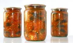 Баклажаны в остром томатном соусе
