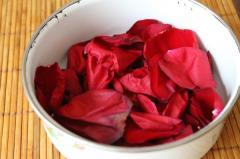 Розовая вода - приготовление дома