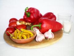 Рецепт сырой аджики на зиму (острая и ароматная)