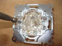 Монтаж выключателя в гипсокартонную стену