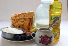 Сладкие блины с творожно-фруктовой начинкой