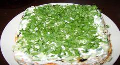 Салат из копченой куры делаем слоями - рецепт