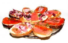 Рецепт закуски из семги (красная икра, осьминог)