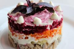 Рецепт салата с грибами - Грузди под шубой