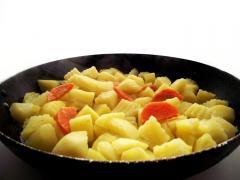 Рецепт винного картофеля с мясным гарниром