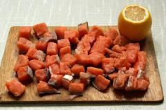 Красная рыба с рисом и спаржей