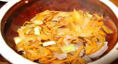 Желудочки куриные - рецепт в горшочках