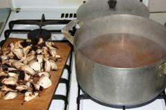 Грибной суп с печеными корнеплодами