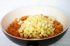 Пряный пудинг из тыквы и яблок