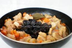Рецепт мяса с черносливом и коньяком