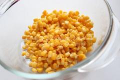 Рецепт картофельного салата с кукурузой и огурцом