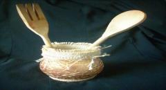 Украшение вазочки с помощью яичной скорлупы